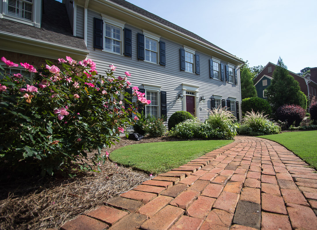 19 awesome landscaping in atlanta for Residential landscape architecture